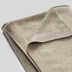 Cashmere throw rug in Oatmeal