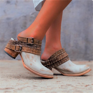 Women's Buckle Rivet Pointed Flat Shoes