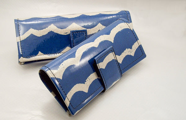 wallet clutch, waves