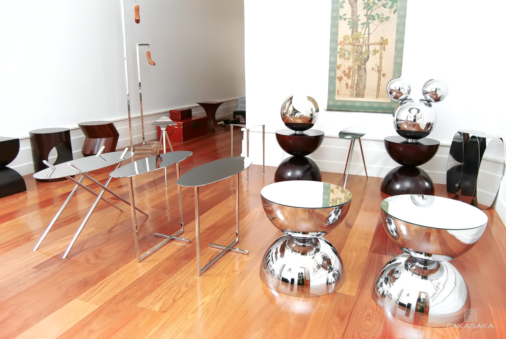 FA11 SIDE TABLE / DRINK TABLE<br><br>MIRROR ON TOP<br>CHROMED