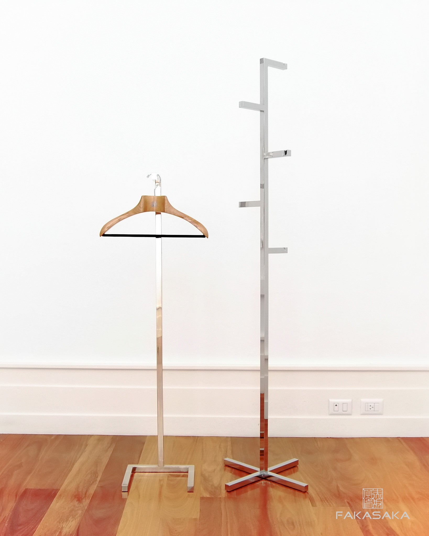 FA14 COAT RACK<br><br>CHROMED
