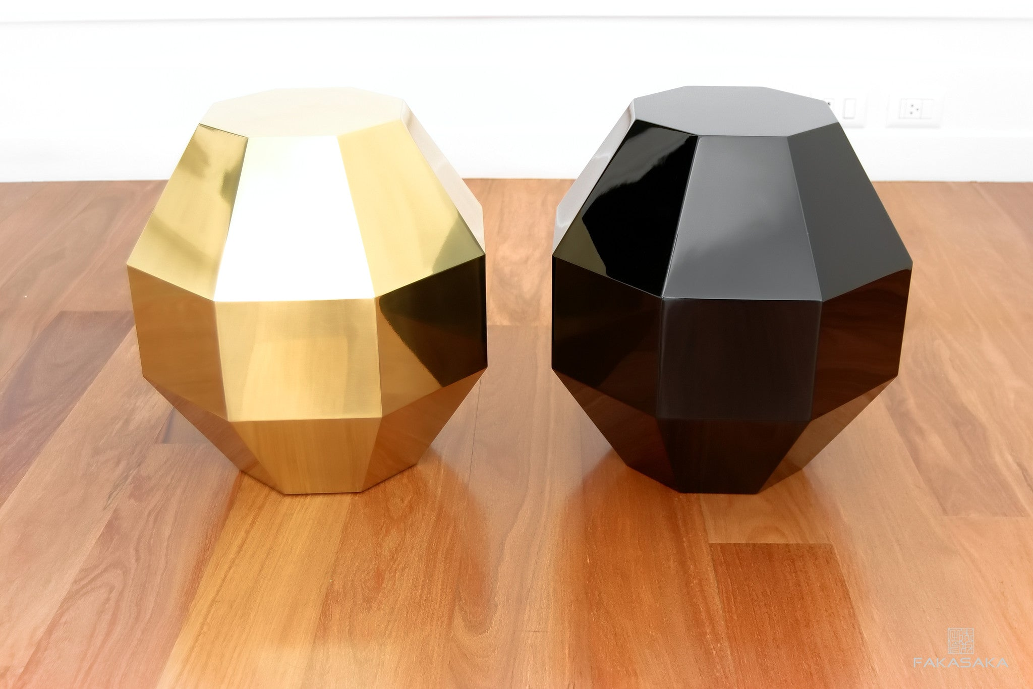 FA19 SIDE TABLE / DRINK TABLE<br><br>POLISHED BRASS