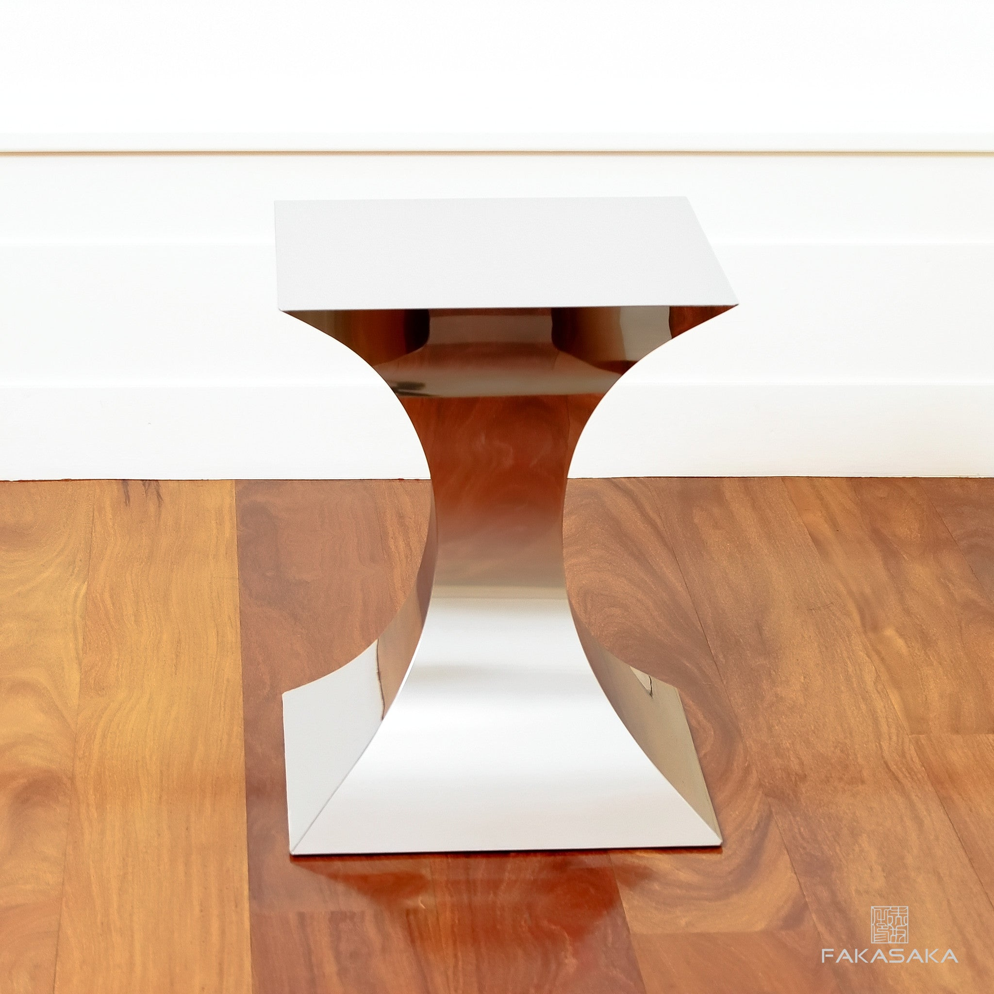 FA7 STOOL / SIDE TABLE  / DRINK TABLE<br><br>STAINLESS STEEL