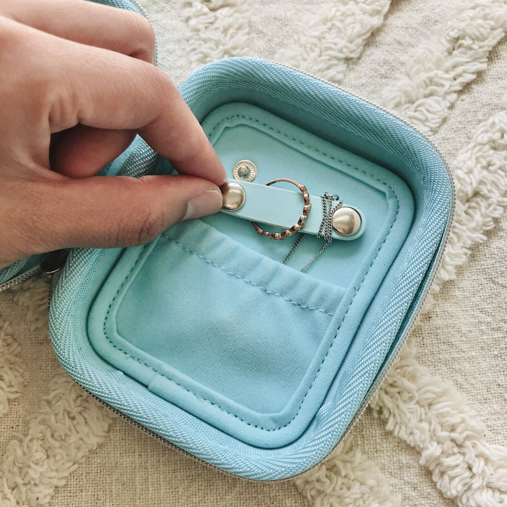 Mint Travel Earring Case