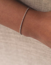 Load image into Gallery viewer, Simple Bar One Liner Diamond Bracelet