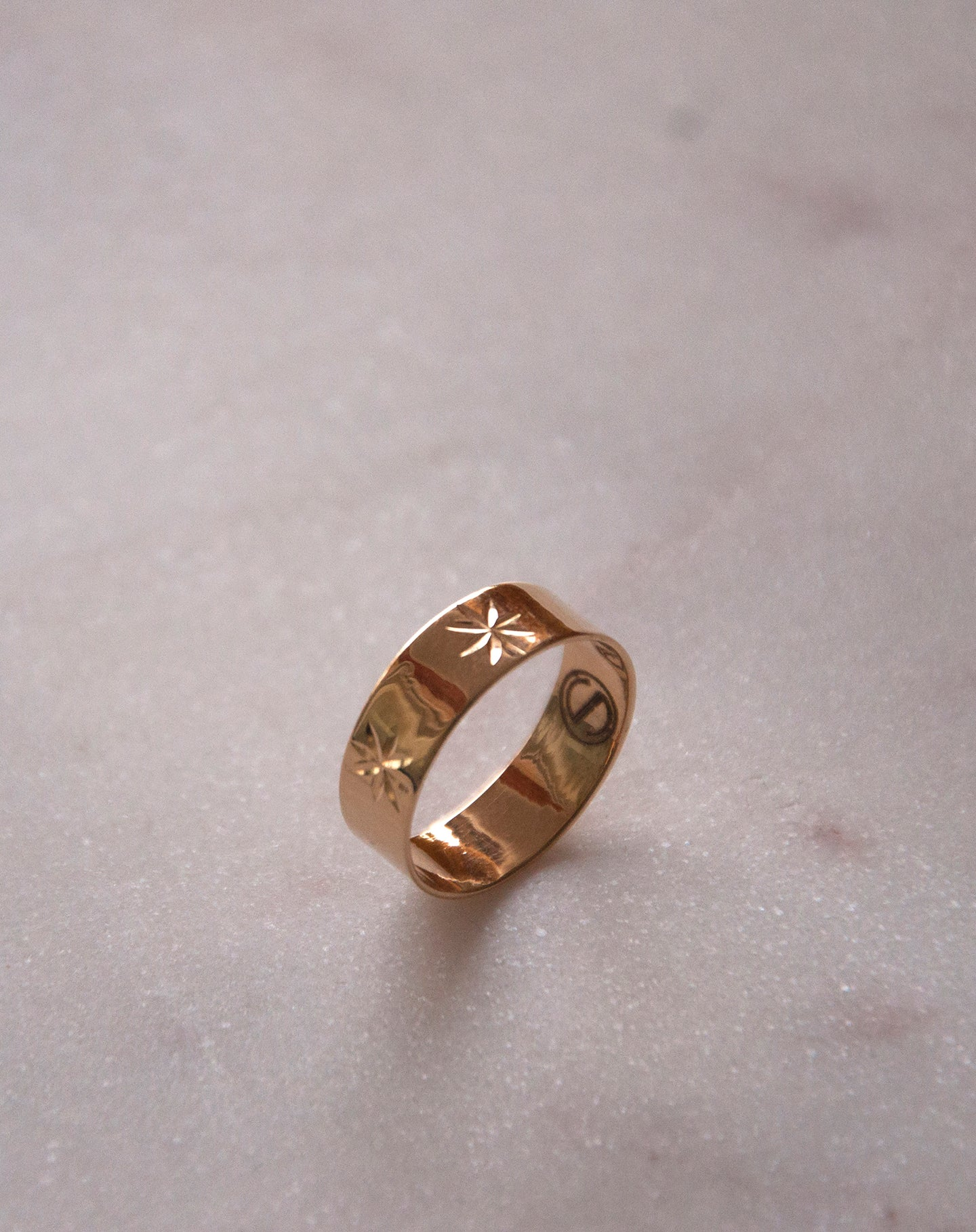 Classic Star Ring Gold