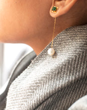Load image into Gallery viewer, 18kt Gold Emerald Pearl Drop Earrings