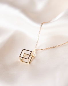 Cube Charm Gold