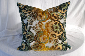 Brochier Mimetic Flower Cushion Cover