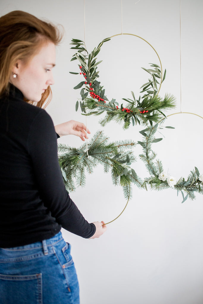 FLORAL FRIDAY // Minimalistische kerstkrans DIY tutorial | FLORAL FRIDAY // Minimal Christmas wreath DIY tutorial