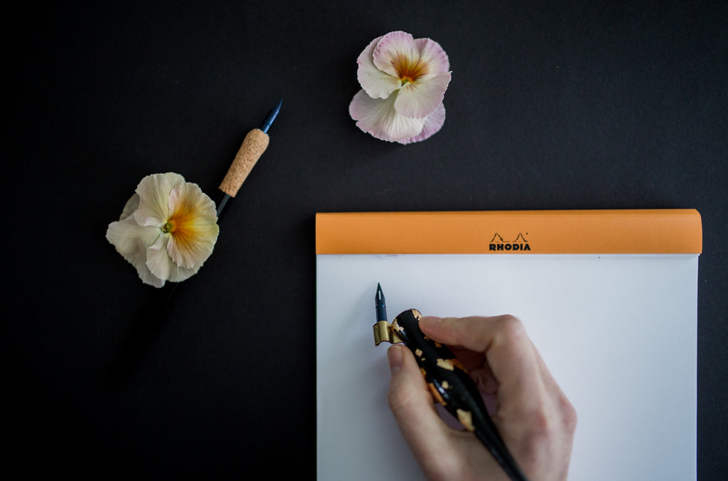 Drie verschillen tussen een oblique en rechte penhouder voor moderne kalligrafie | Three differences between an oblique and a straight pen holder for modern calligraphy