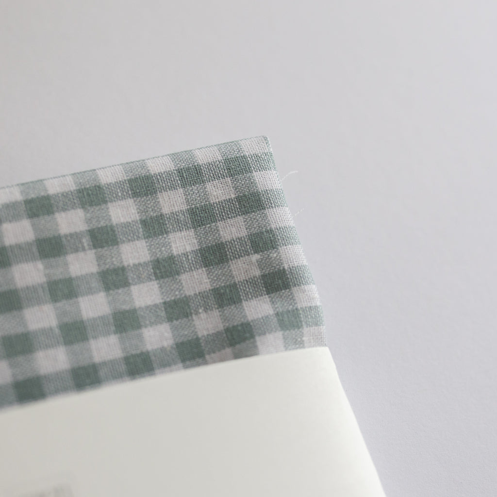 Borduurstof 'Gingham Dusty Blue' | Embroidery fabric ''Gingham Dusty Blue