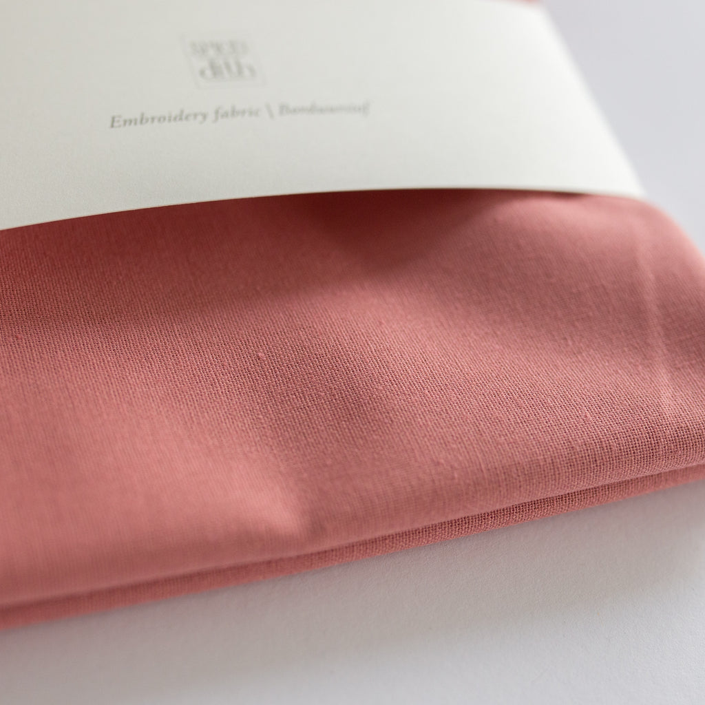 Borduurstof 'Salmon Pink' | Embroidery fabric 'Salmon Pink'