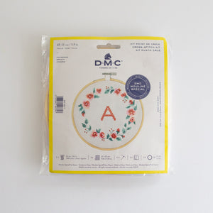 DMC Embroidery kit 'Wreath'