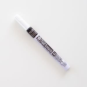 Sakura Pen-touch Black Fine