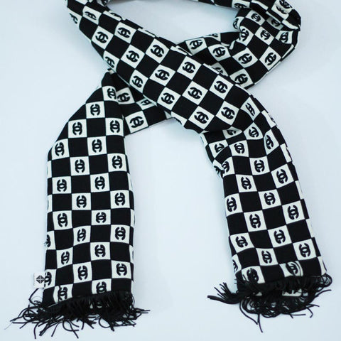Black and White Wool Peach Scarf