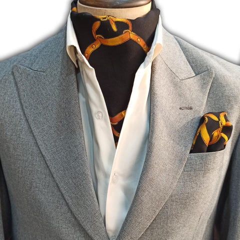THE GEES OF GOLD CRAVAT SET