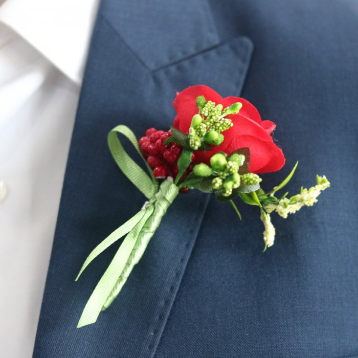 Red Rose Boutonniere Lapel Pin