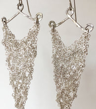 Load image into Gallery viewer, silver crocheted earrings (M)