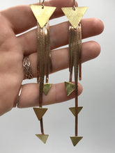 Load image into Gallery viewer, Stardust Medium earrings