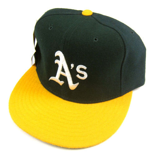 Vintage Oakland Athletics New Era Fitted Hat NWT