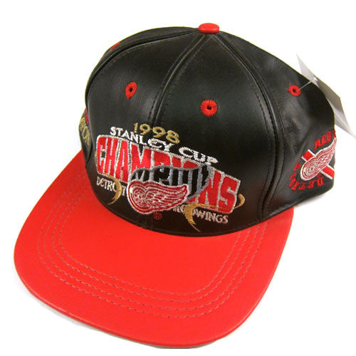 Vintage Detroit Red Wings Leather 1998 Strapback NWT