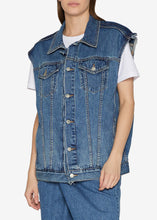 Load image into Gallery viewer, Folding Oversized Denim Vest Jacket