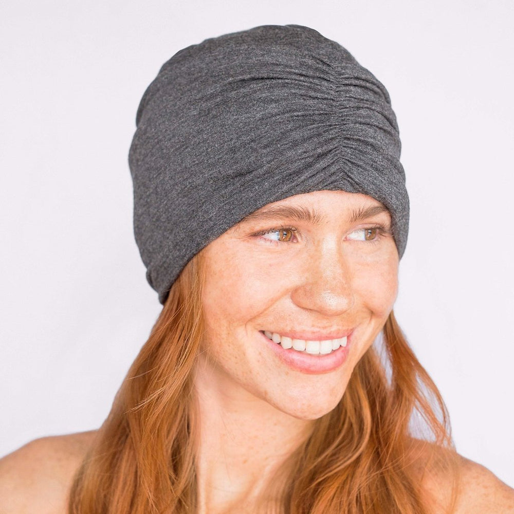 SATIN LINED JERSEY SLEEP BEANIE IN HEATHER GRAY