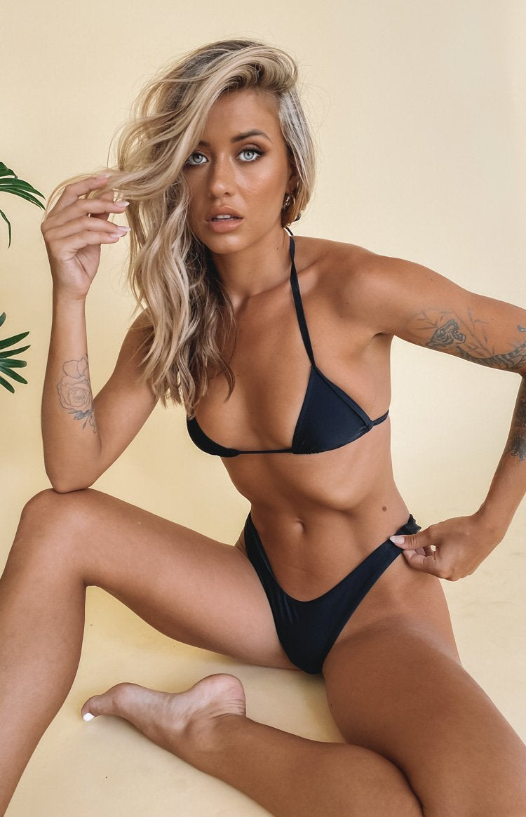 https://files.beginningboutique.com.au/20200205-9.0+Swim+Bahamas+Bikini+Bottom+Matte+Black.mp4