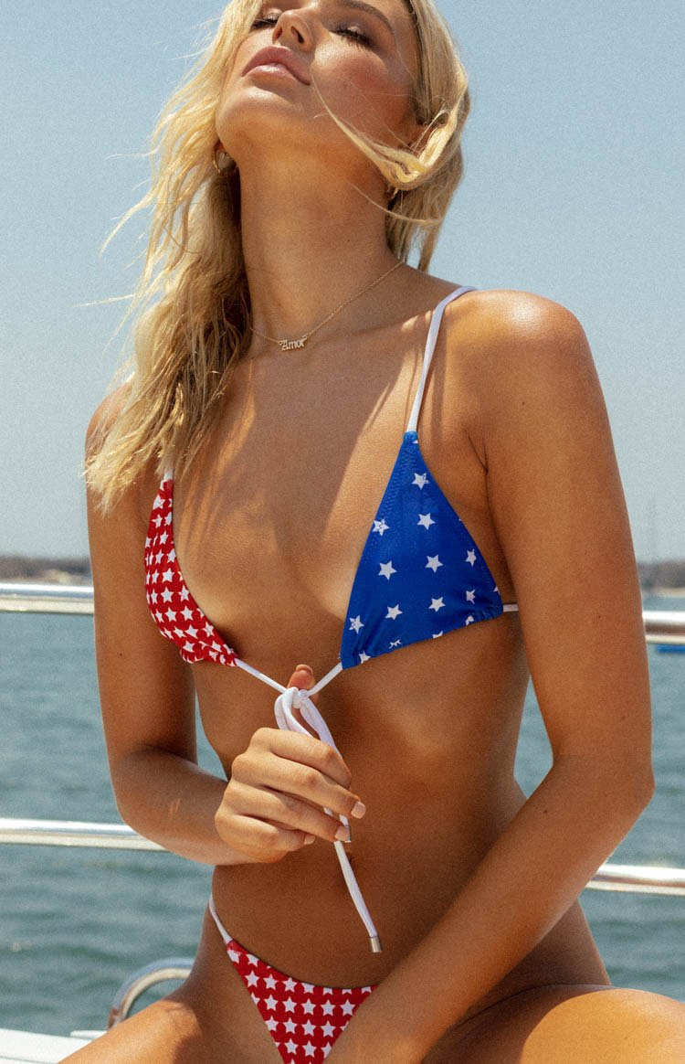https://files.beginningboutique.com.au/20191230+-+9.0+Swim+Malibu+Triangle+Bikini+Top+Star+Print.mp4