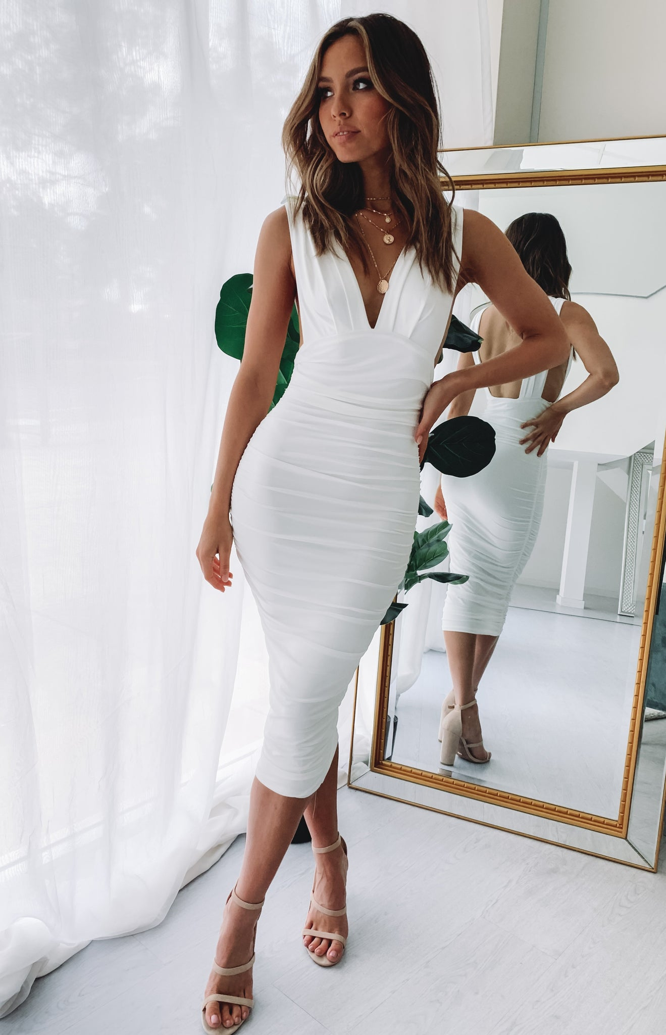https://files.beginningboutique.com.au/An+Affair+to+Remember+Midi+Dress+White.mp4