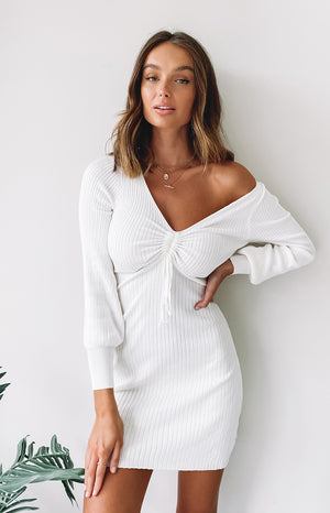 https://files.beginningboutique.com.au/20200511-white+Baby+Love+Knit+Dress+White+.mp4