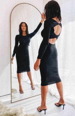 https://files.beginningboutique.com.au/202000803+-+Baptiste+knit+dress+black+.mp4