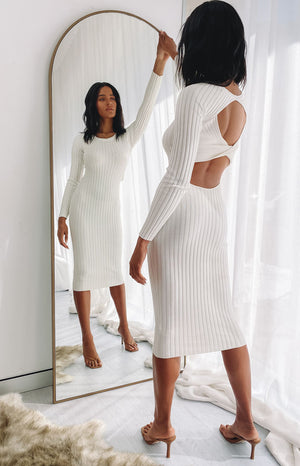 https://files.beginningboutique.com.au/202000803+-+Baptiste+knit+dress+cream+.mp4
