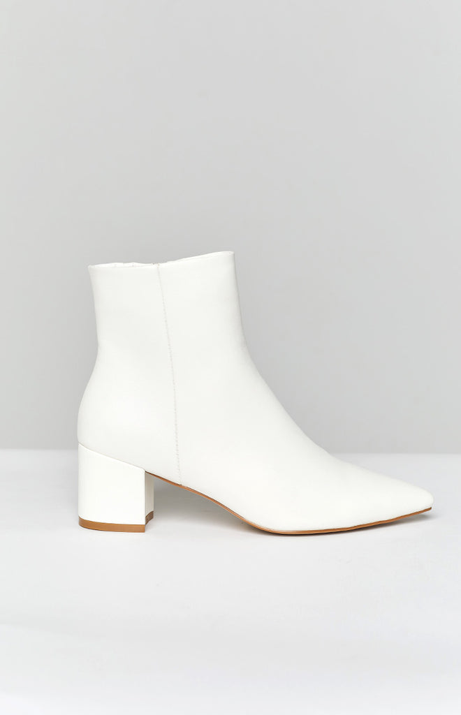 Billini Issie Boot White 9