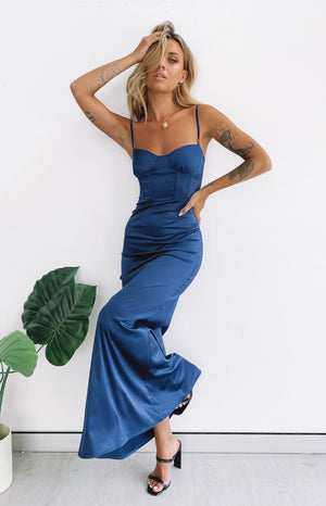 https://files.beginningboutique.com.au/20200316-cay+formal+dress.mp4