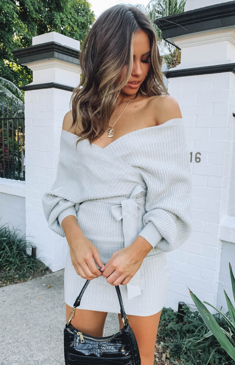 https://files.beginningboutique.com.au/Cruisade+Knit+Dress+Grey+.mp4