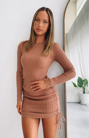https://files.beginningboutique.com.au/20200504-Curved+Long+Sleeve+Ribbed+Dress+Tan.mp4