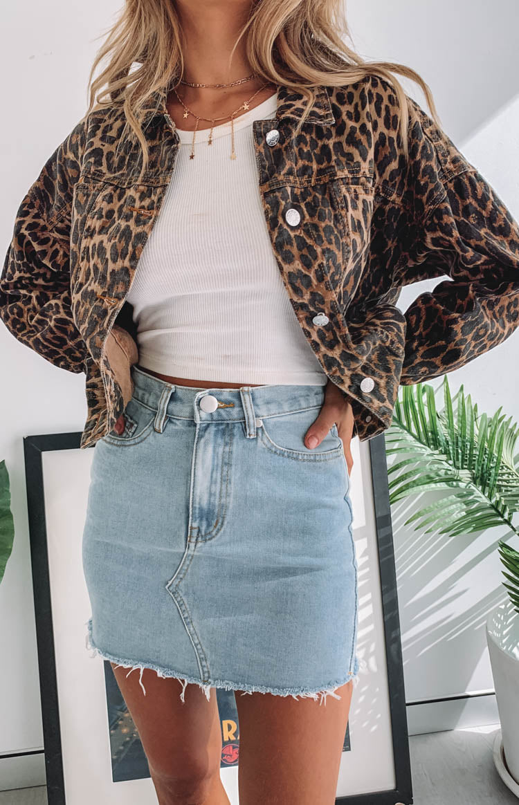 https://files.beginningboutique.com.au/Dahlia+Denim+Skirt+Blue.mp4