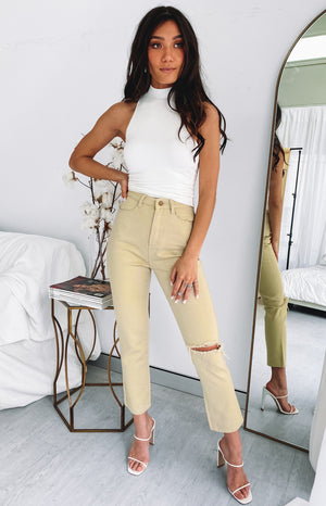 https://files.beginningboutique.com.au/20200706+-+Della+Jeans+Beige.mp4