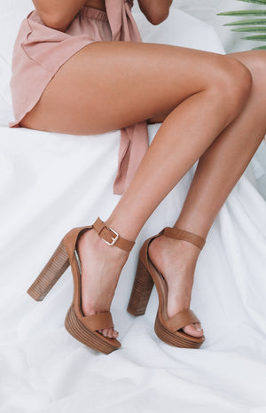 Billini Egypt Heels Tan