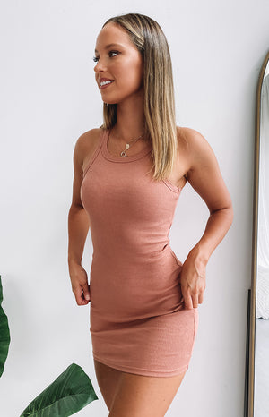 https://files.beginningboutique.com.au/20200504-Eliza+Ribbed+Dress+Rust.mp4