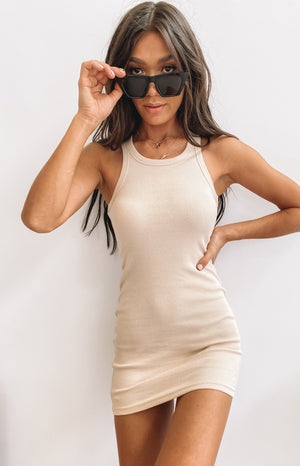 https://files.beginningboutique.com.au/2020403-Eliza+Ribbed+Dress+Beige.-+Q19587.mp4