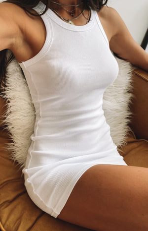 https://files.beginningboutique.com.au/20200330-Eliza+Ribbed+Dress+White+-+Q19587.mp4