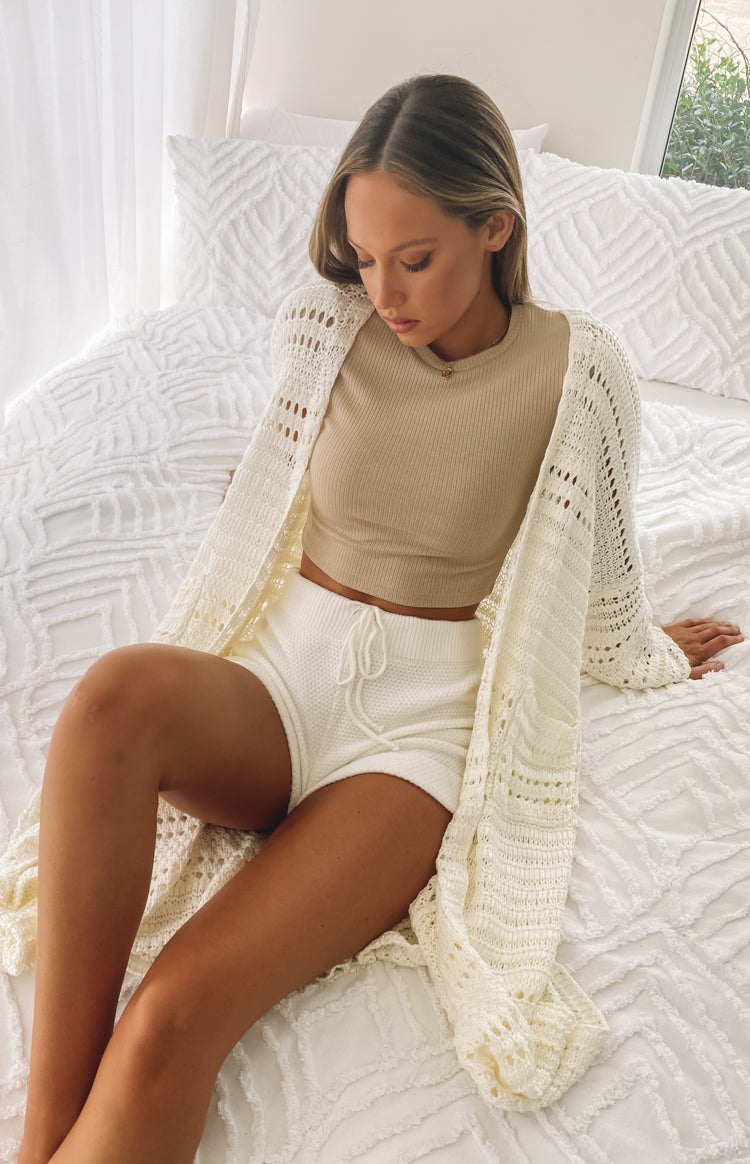 https://files.beginningboutique.com.au/20200410-Loving+is+Easy+Cardigan+Cream.mp4