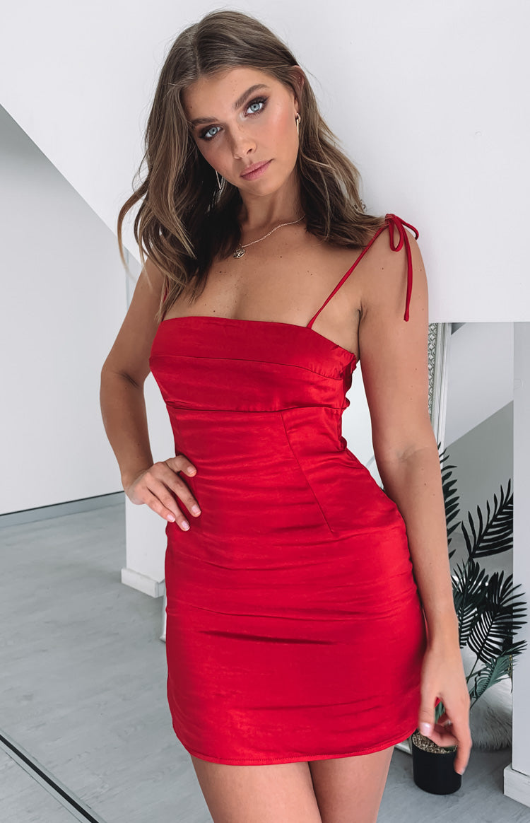 https://files.beginningboutique.com.au/Feyre+Dress+Red+Satin.mp4