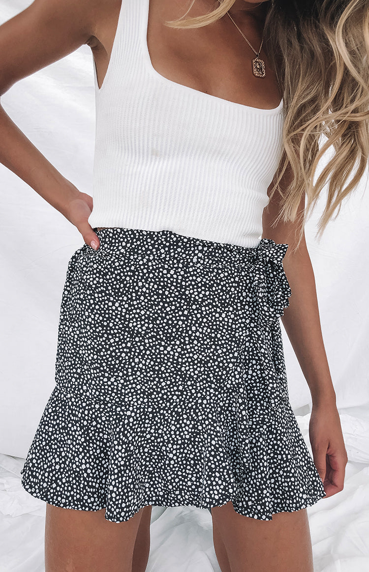 https://files.beginningboutique.com.au/Flute+Skirt+Black+Print.mp4