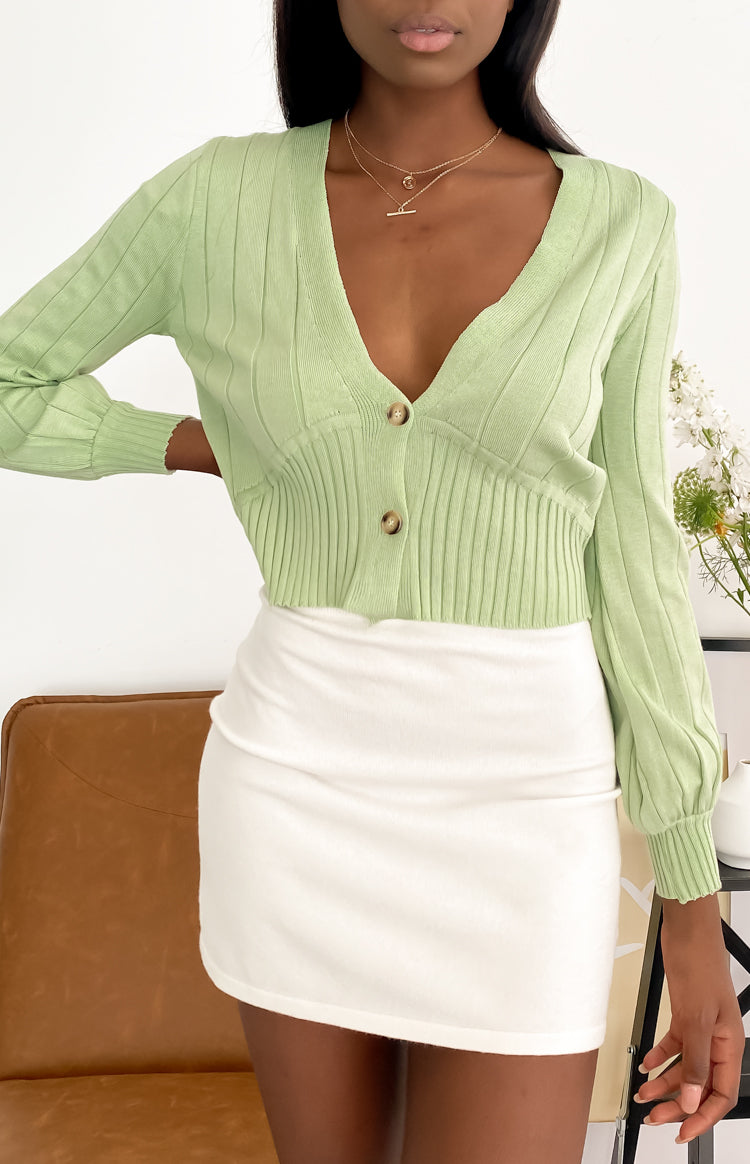 https://files.beginningboutique.com.au/20200720+-+French+Alps+Knit+Cardi+Sage.mp4