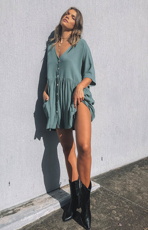 https://files.beginningboutique.com.au/GOOD+FEELING+DRESS+SAGE.mp4