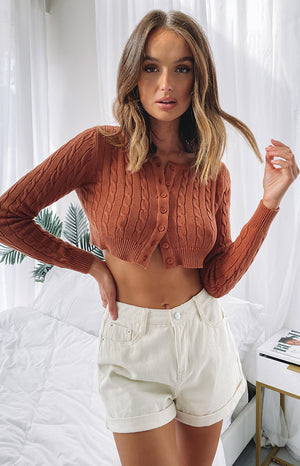 https://files.beginningboutique.com.au/20200520-Hywel+Button+Down+Cable+Knit+Cardi+Tan.mp4